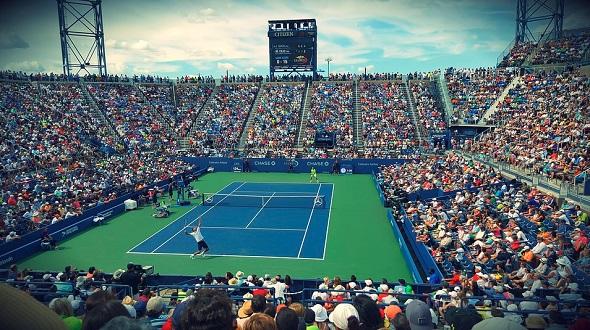 ... finále v chorvatském Umagu a americkém Newportu. Tenis - US Open Foto   Internet 0fa5aac14de29