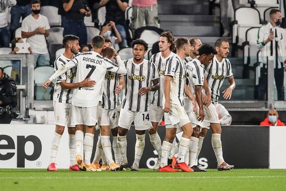 Seria A, Juventus Turín, hráči se radují sCristianem Ronaldem - Zdroj cristiano barni, Shutterstock.com